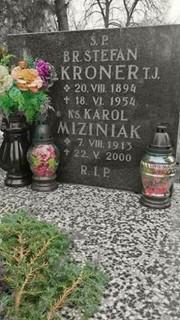 ksiądz Karol Miziniak